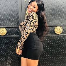 RICH AND A SUCCESSFUL BUSINESSWOMAN IN DONHOLM SEEKS A SERIOUS GUY FOR FUN BELOW 40YRS